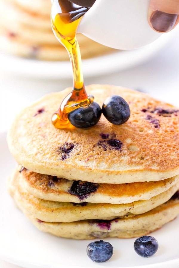 (vegan!) Blueberry Quinoa Pancakes -- healthy, delicious and SO FLUFFY!
