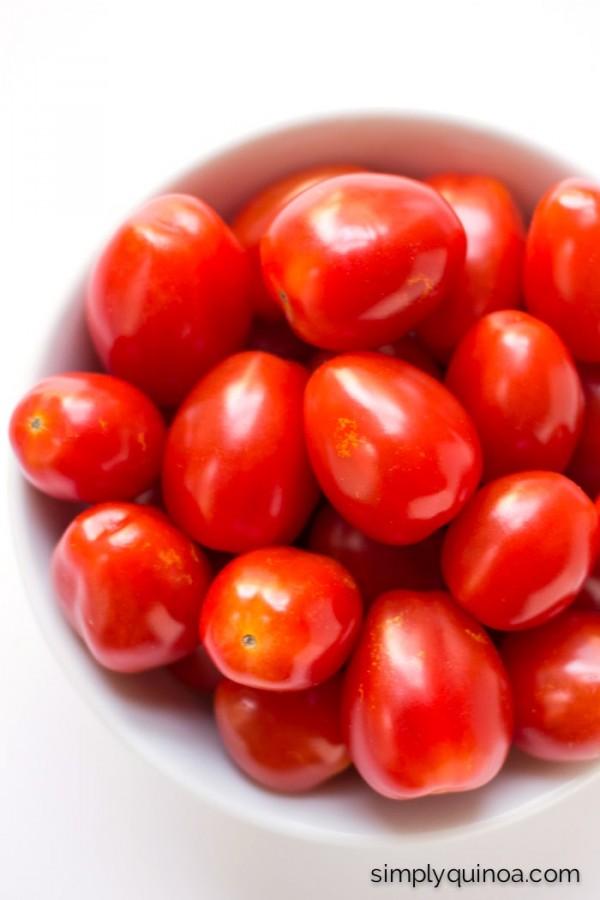 Fresh cherry tomatoes are the key to this simple Caprese Quinoa Salad | recipe on simplyquinoa.com