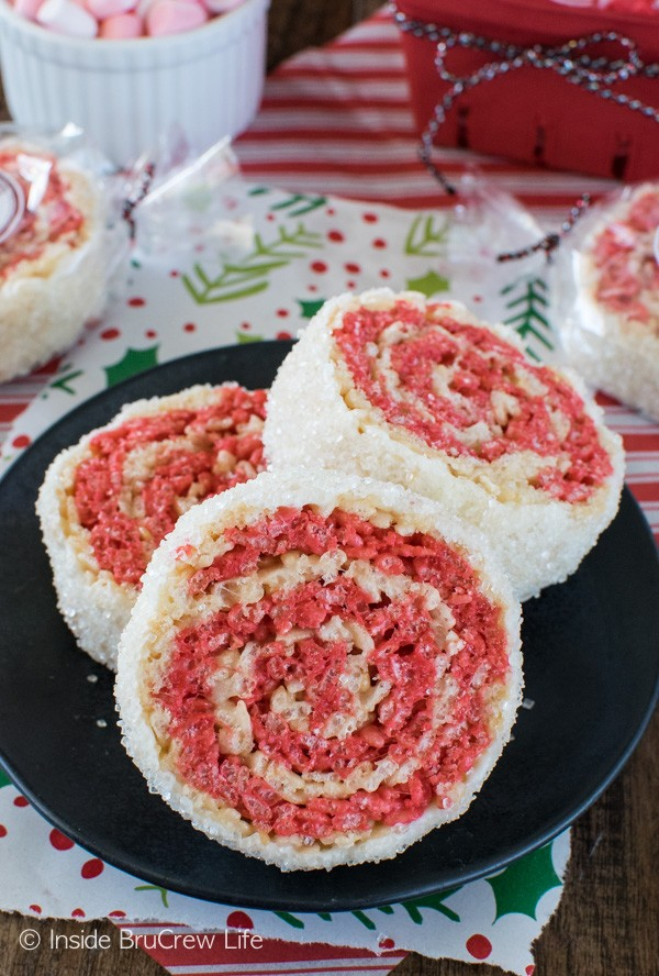Peppermint Rice Krispies Pinwheels - easy no bake treats that everyone will love. Great recipe for holiday parties!