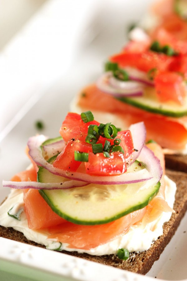 smoked salmon canap s with whipped chive cream cheese. Black Bedroom Furniture Sets. Home Design Ideas