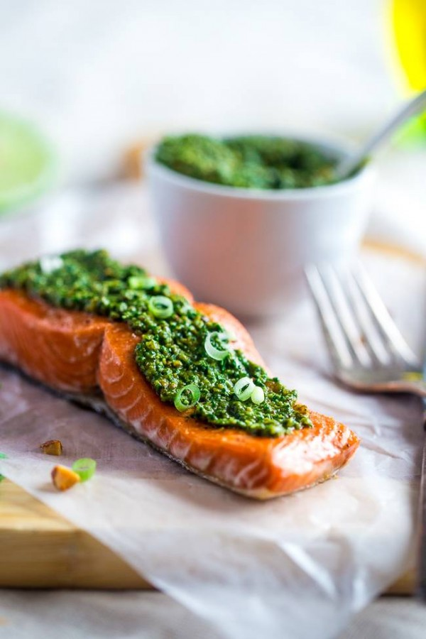 Baked Salmon with Asian Cilantro Pesto - A simple, healthy and easy dinner that feels SO fancy, but is ready in under 30 minutes! It's gluten free, low carb and only 300 calories! | Foodfaithfitness.com | @FoodFaithFit