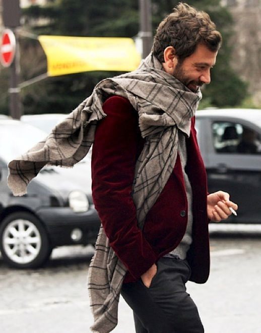 Extra large scarf to get a whimsical dapperness.