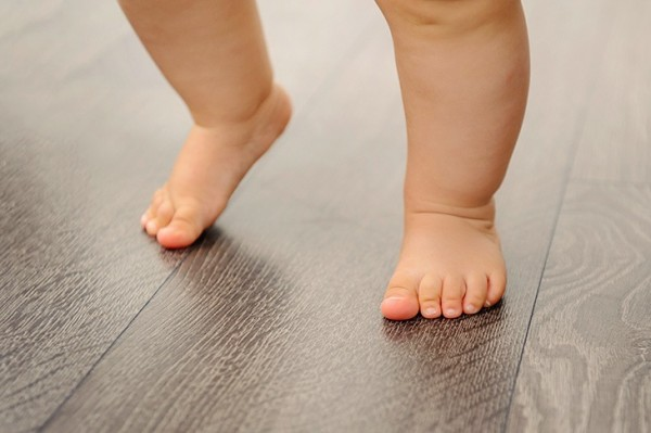 baby-first-step
