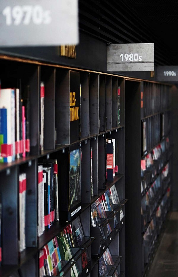 music-library-understage-a-vinyl-fantasy-9