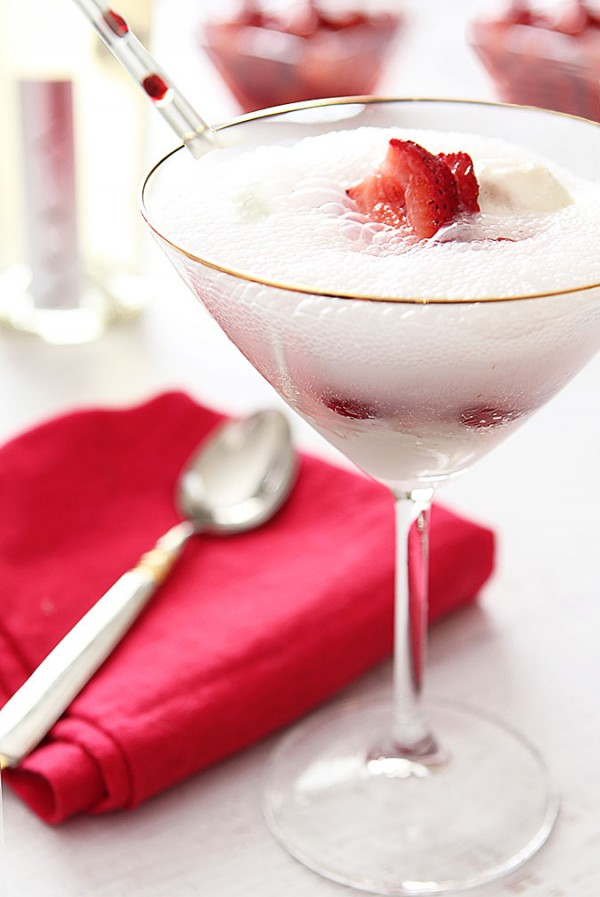 Strawberry Prosecco Float | @creativculinary