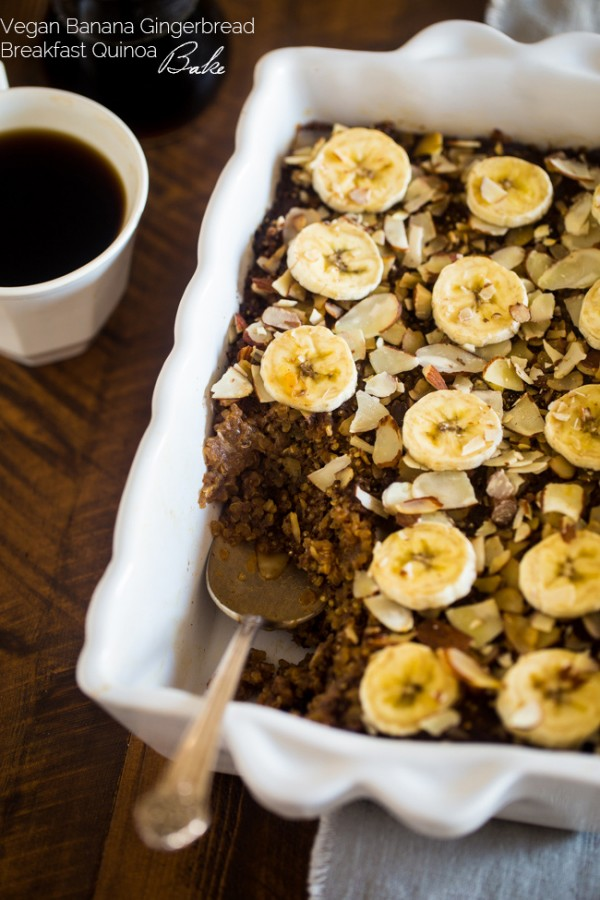 Vegan Gingerbread Banana Breakfast Quinoa Bake - Quinoa is mixed with molasses, spices, bananas and baked for a healthy, make-ahead, gluten free and vegan friendly breakfast! Perfect for the Christmas morning! | Foodfaithfitness.com | @FoodFaithFit