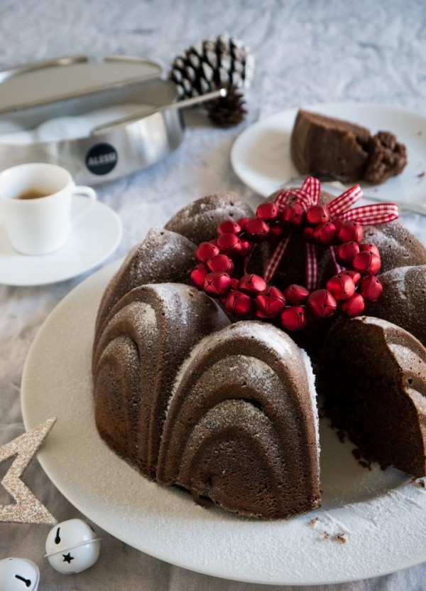 German mulled wine cake for christmas by julia epicurious german mulled wine cake for christmas forumfinder Choice Image