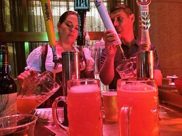 Andaz Wall Street Beergarden (2)