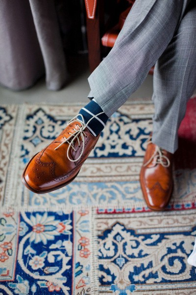 Wingtip shoes always feature a W-design on their tips