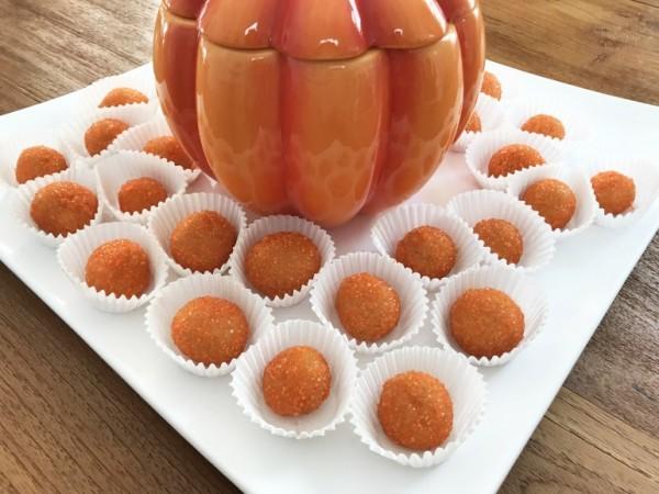 KitchAnnette Pumpkin Spice Kisses Dish