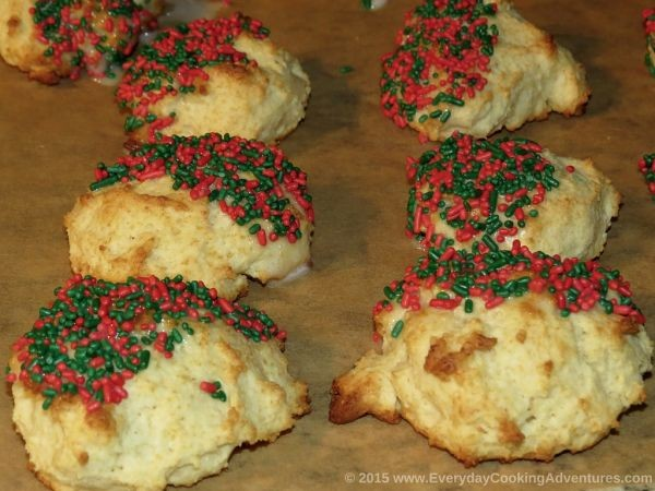 Italian-Christmas-Ricotta-Cookies-©EverydayCookingAdventures2015-300x225@2x