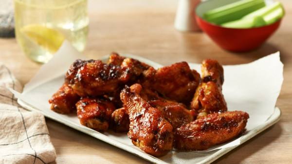 Bourbon-Apple-Glazed-Chicken-Wings-1024x576.jpg