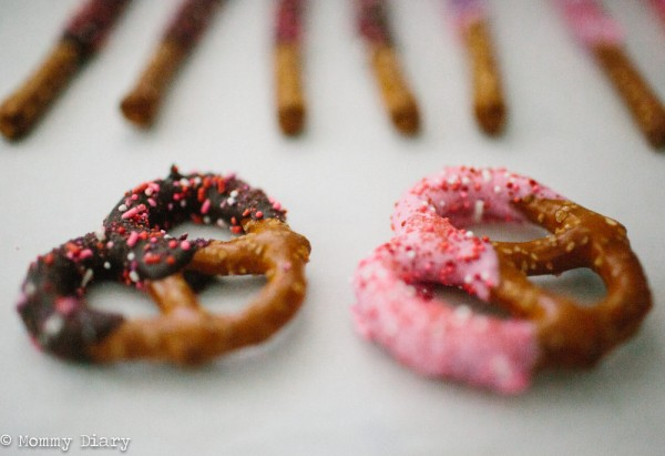 82_diy-pretzel-treats-valentines-day-birthday-babyshower-bridalshower-classroom-treats-1000x685.jpg