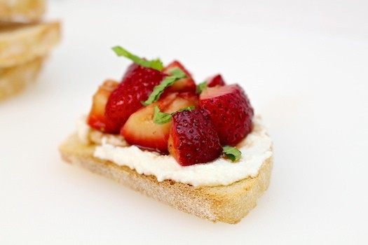 Honey Balsamic Strawberry Ricotta Toasts | LocalSavour.com