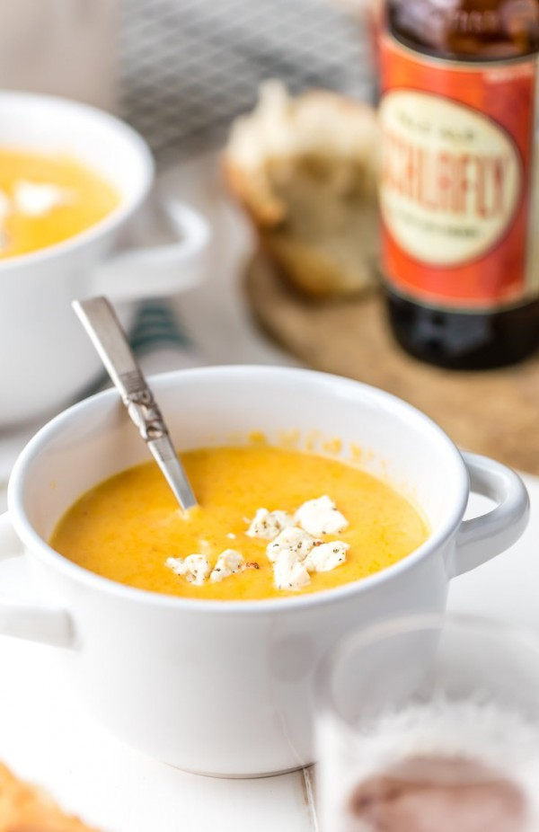 This creamy and comforting 15 MINUTE Beer Cheese Soup is super quick and delicious! The perfect Winter easy dinner recipe! Serve with crusty bread for an extra special treat!