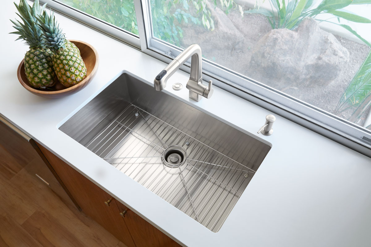 Evoke Faucet    Strive Sink    Soap/Lotion Dispenser        Pairing a deep sink basin with this pullout faucet, which includes three spray settings – results in a hardworking sink station that makes cleaning seem effortless.