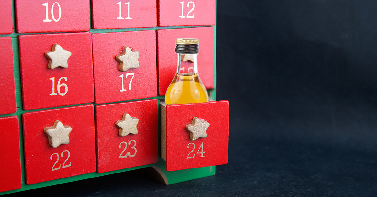 Diy Whiskey Advent Calendar : Diy booze advent calendar drinkwire