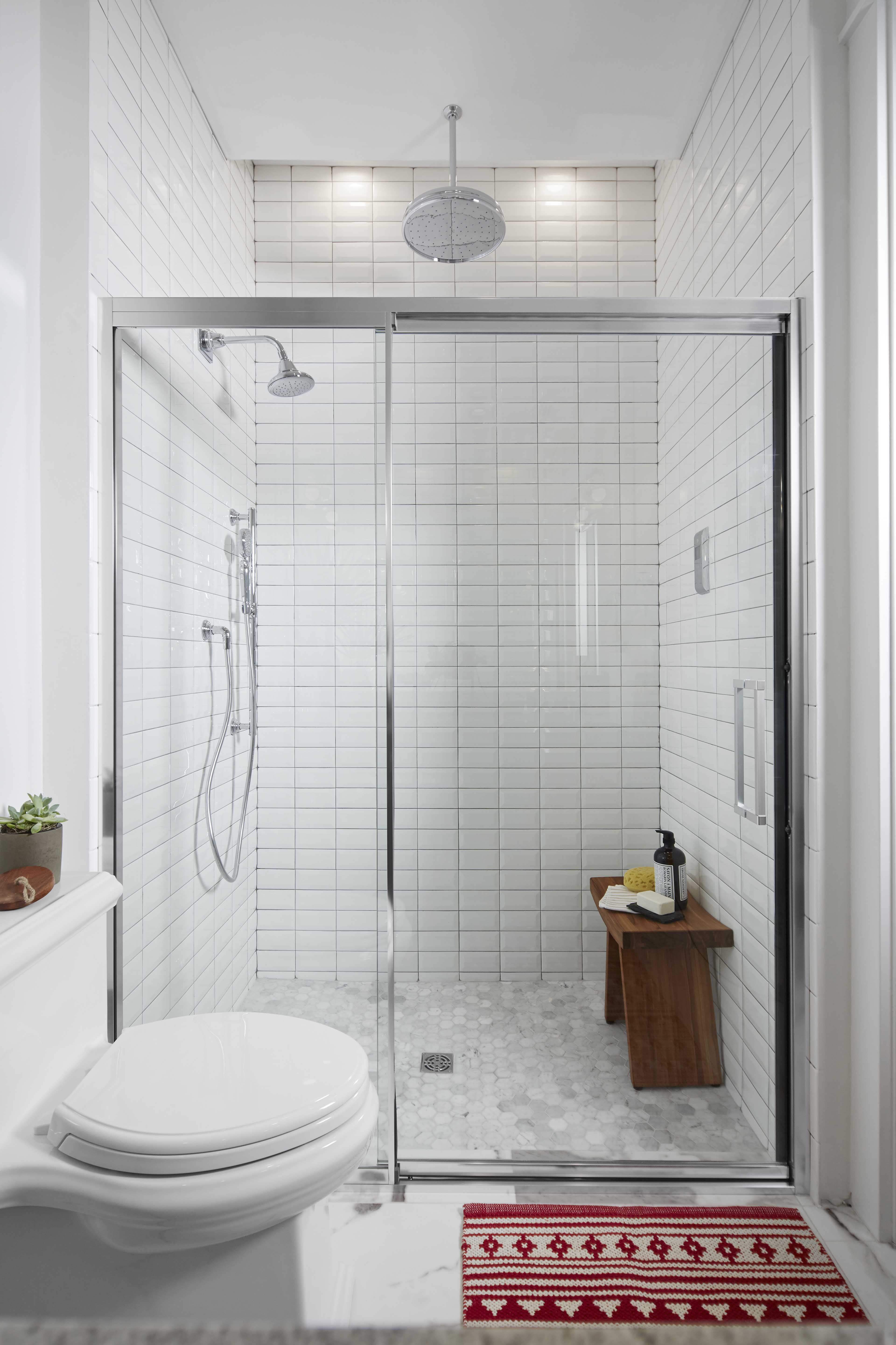 DTV Prompt Digital Control     Traditional Rainhead     Artifacts Handshower     Pinstripe Showerhead     A digital shower system allows guests to create a personalized experience, choosing between or combining a rainshower, showerhead and handshower.