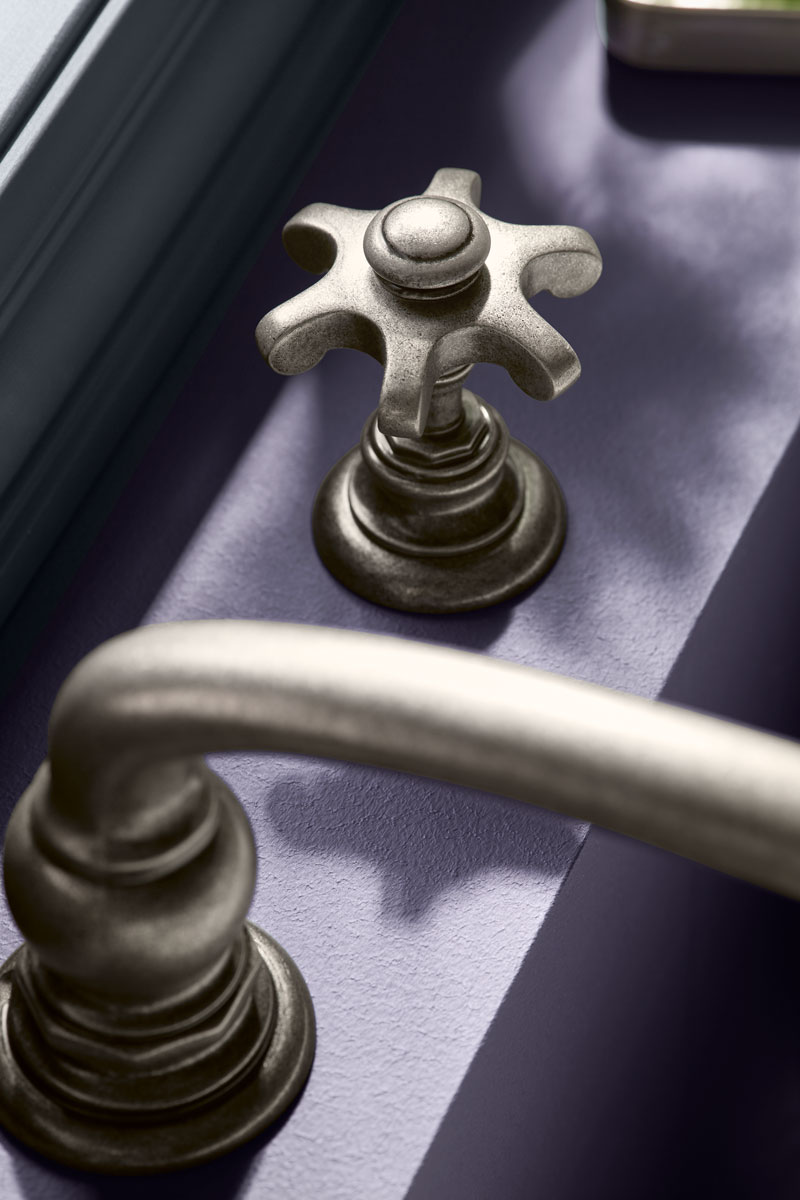 Artifacts Bath Spout    Artifacts Bath Prong Faucet Handles        A vintage nickel finish is a lovely complement to this traditional-style faucet, which brings out the classic lines of the bath.