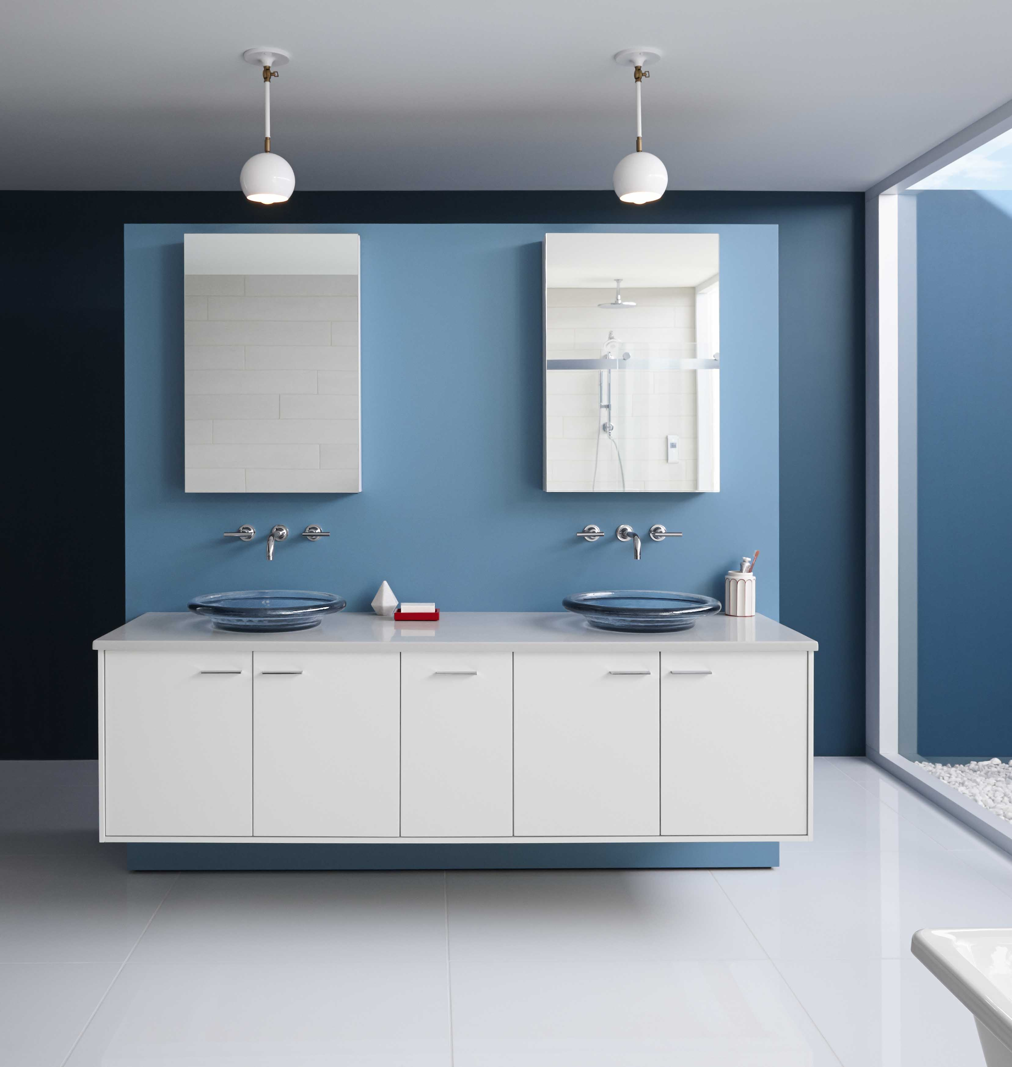 Jute® Vanity     Jute legs     Verdera medicine cabinet     Ultra-clean lines and strong geometries on this vanity contribute to the bathroom's Nordic style.