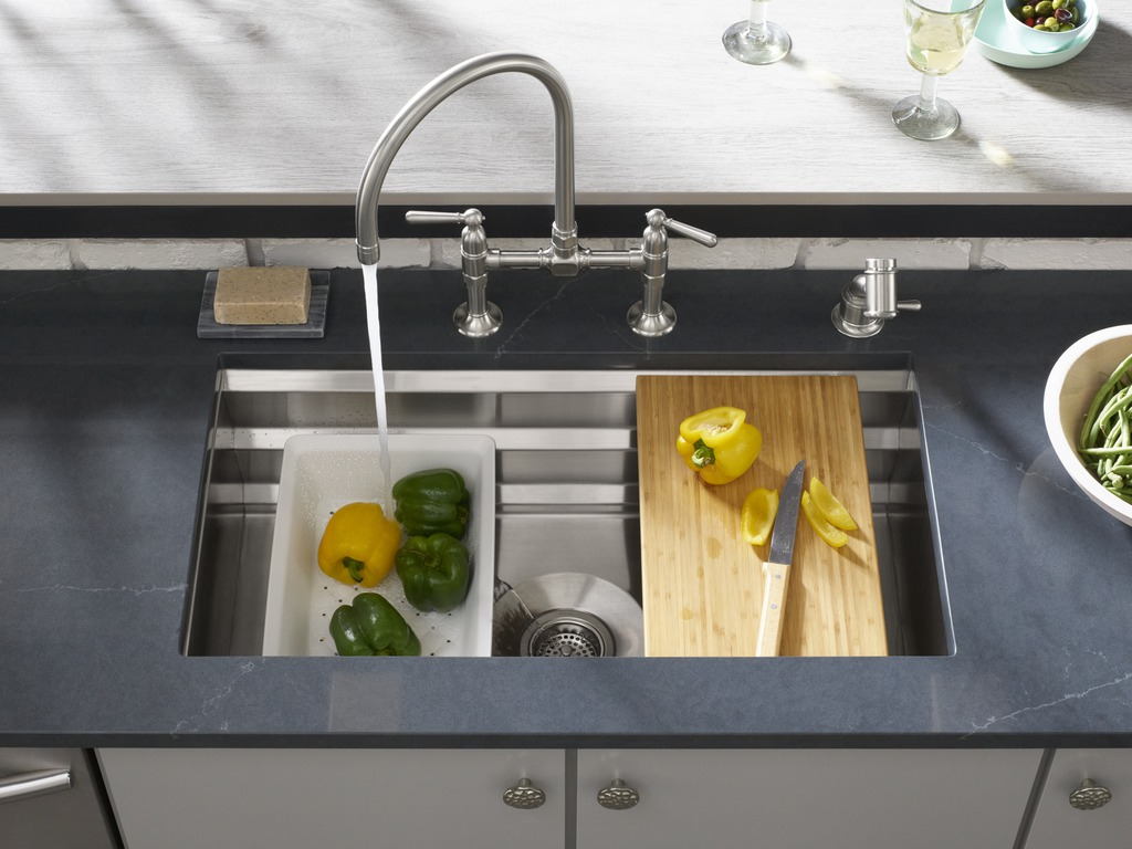 Silestone Eternal Charcoal Soapstone countertop     HiRise Kitchen Sink Faucet     Prolific Kitchen Sink     HiRise Independant Sidespray     A clean under-mount sink creates a smart task area with a ledged stainless steel basin that makes stacking accessories like cutting boards and washing bowls easier than ever for seamless prepping.