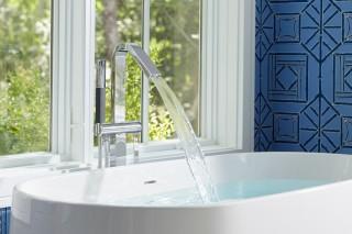 Ceric freestanding bath    Loure freestanding bath filler    A modern bath filler completes the look.