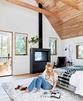 With her mountain house complete, it's probably fair to assume Emily is already planning how she will 'wow' us with her next project. That deep shag rug looks like the perfect place to collect inspiration.
