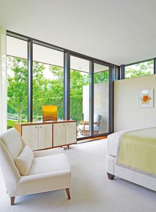 Modern Exterior by Sawyer | Berson and Randi Puccio in Bridgehampton, NY