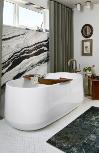 Ceric Freestanding Bath    Purist Floormount Bath Filler   The Ceric freestanding bath invites you to discover your deepest relaxation yet.
