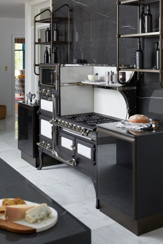 The original oven becomes a design focal point in the mixing of old and new.