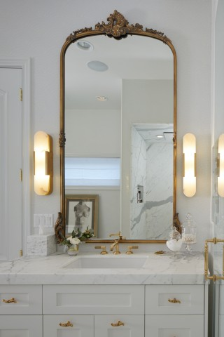 Pinna Paletta® bathroom faucet   Kathryn® bathroom sink    Every design choice calls to mind the elegant glamour of a Parisian apartment.
