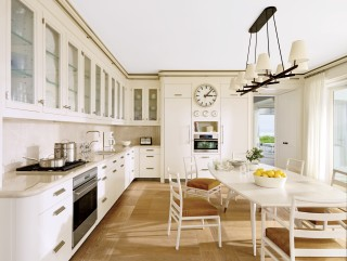 Beach Kitchen by Thierry Despont Ltd. and Thierry Despont Ltd. in East Hampton, New York