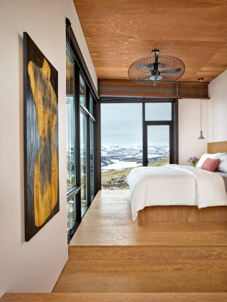Contemporary Bedroom and Olson Kundig Architects in Cascade Mountain, WA