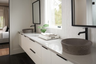 Kensho vessel sink    Components faucet    Symmetry and balance offer a calming expression in these vessel sinks.