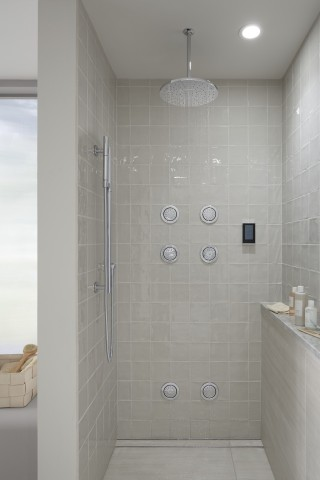 DTV+    Watertile Round Nozzle Spray    Contemporary Round Rainhead    Equip your shower with a DTV+ device to personalize your temperature settings, rainhead and handshower to create the ultimate trifecta for a truly immersive experience.