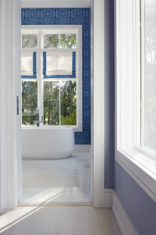 Ceric freestanding bath    Loure freestanding bath filler    Walk into the serenity of this cool blue retreat.