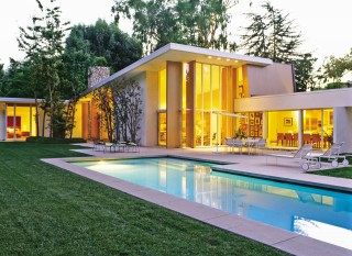 Modern Outdoor Space and Rios Clementi Hale Studios in Los Angeles, California