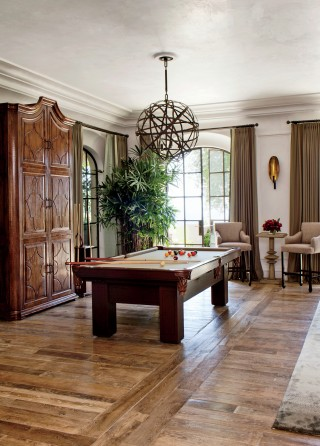 Traditional Media/Game Room by Joan Behnke & Associates Inc. and Landry Design Group Inc. in Los Angeles, California